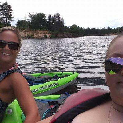 Kayak de groupe sur la rivière Rouge