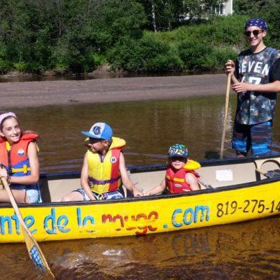 Canotage en famille sur la rivière Rouge