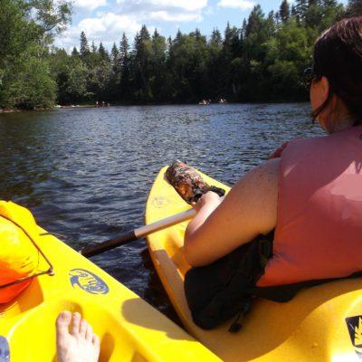 Kayak en famille sur la rivière Rouge